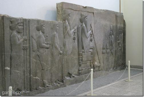 نقش برجسته بار داریوش در موزه ایران باستان